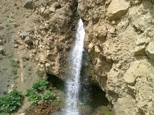 آبشار طبیعی آینه ورزان